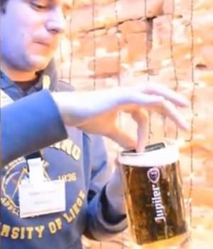 Incroyable, le Sony Xperia Z résiste à la bière