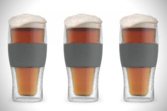Un verre qui refroidit la bière instantanément