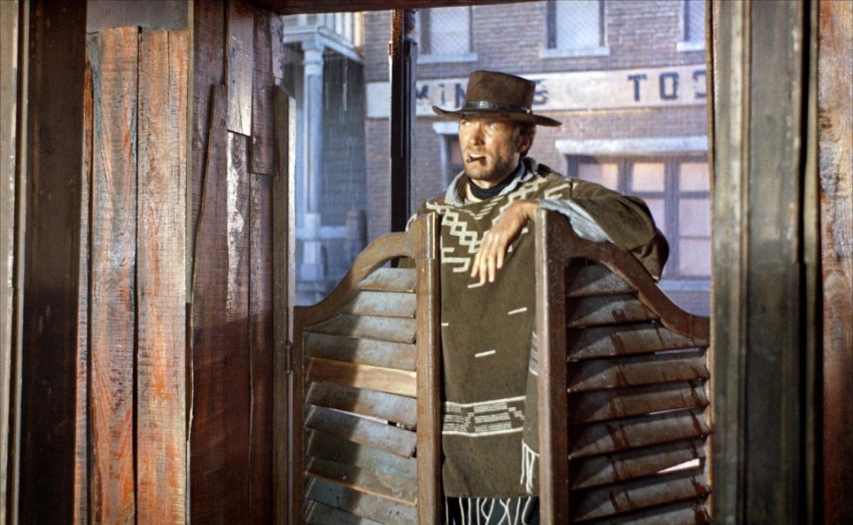 Peks qui m 39 arrive for Porte de saloon western