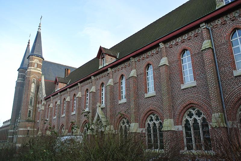 Abbaye Mont D Es Cats