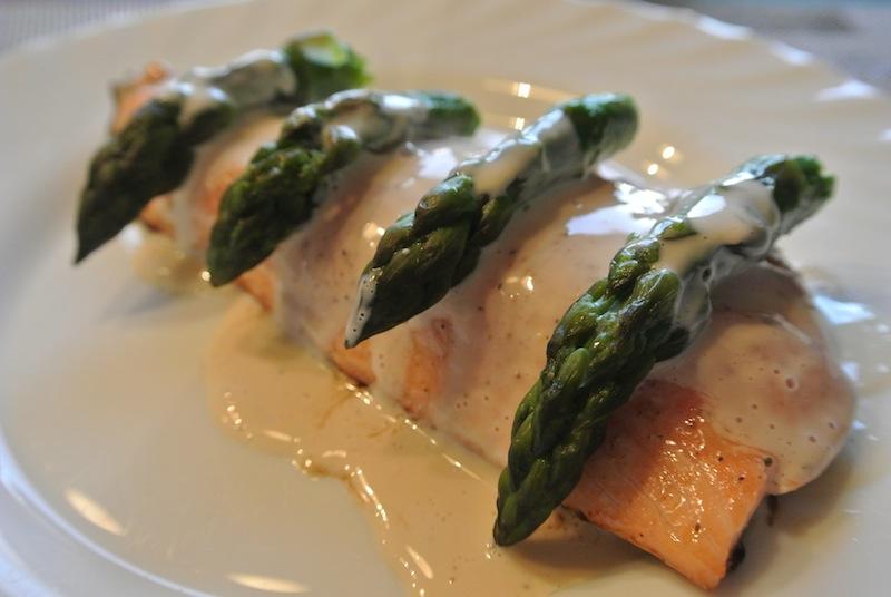 Saumon asperge et sa sauce la bi re for Entree sans poisson