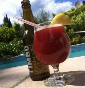 Cocktail à la bière et à la fraise