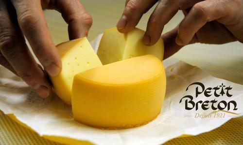 Britt relance son fromage à la bière, le Petit Breton