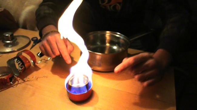 Fabriquez un réchaud de survie avec une canette de bière !
