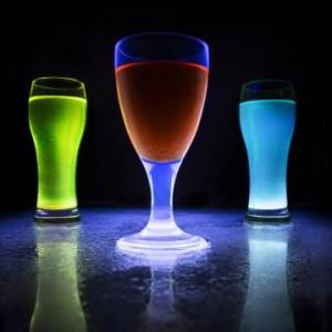 Seriez-vous prêt à goûter de la bière artisanale fluorescente ?
