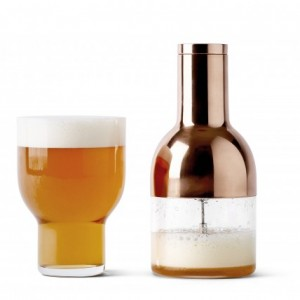 Obtenir une mousse onctueuse grâce au Beerfoamer, un accessoire design