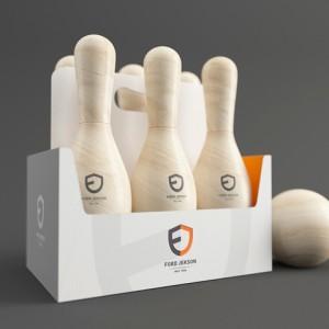 Les bouteilles de bières transformées en quilles de bowling