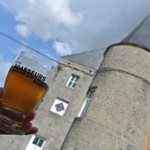 Festival « Bièrez-vous? » dans le superbe château de Schaltin