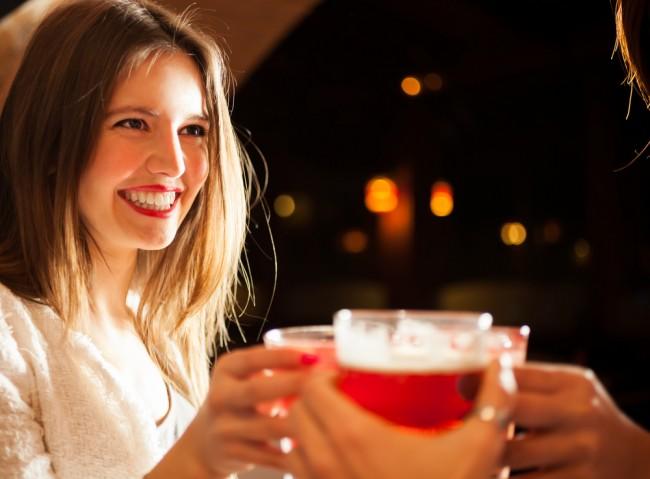 Scientifique, les femmes sont de meilleures goûteuses de bière
