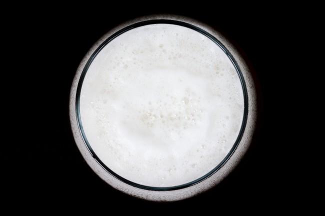 Pourquoi la mousse de la bière est-elle plus amère ?