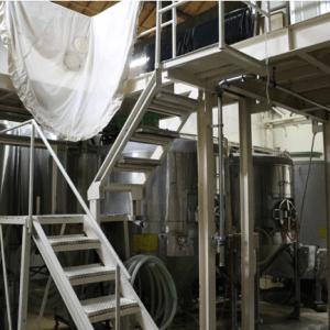 Salle de brassage du saké 1