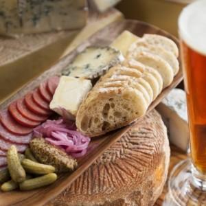 Pourquoi la bière et le fromage sont les meilleurs amis ?
