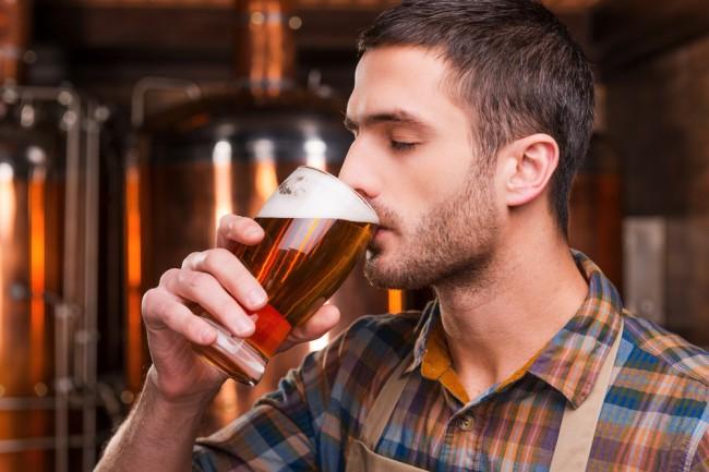 Textures de la bière: le corps, la carbonatation et la chaleur