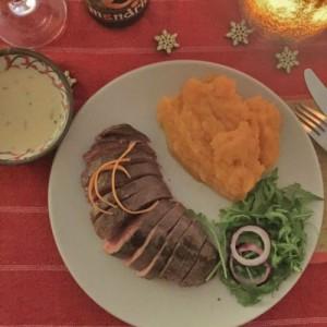Magret de canard sauce bière Mandrin et purée de carottes des sables
