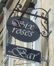 Le bar des Six Roses, à Lille